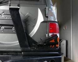 Hi-lift montage beugel voor op reservewieldrager
