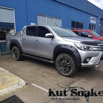 Spatbordverbrders voor Toyota Hi-Lux 2015- 75mm breed